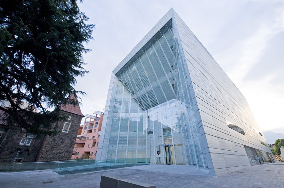 Sabato 18 aprile al museion il museo d arte moderna e for Azienda di soggiorno bolzano