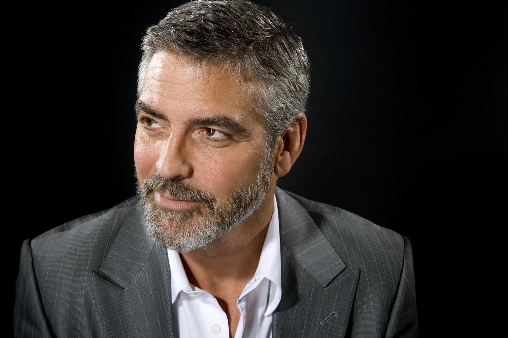 George Clooney, star dal cuore d'oro: aiuta tutti, dal Sudan ai rifugiati. E agli amici... un milione a testa