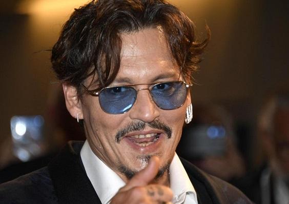 Questa immagine ha l'attributo alt vuoto; il nome del file è Johnny-Depp.jpg