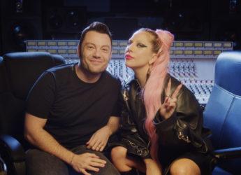 Questa immagine ha l'attributo alt vuoto; il nome del file è Tiziano-ferro-e-Lady-Gaga.jpg