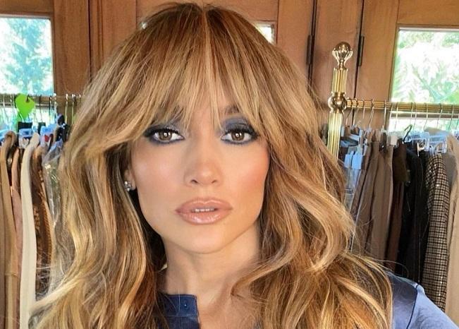 Questa immagine ha l'attributo alt vuoto; il nome del file è Jennifer-Lopez.jpg