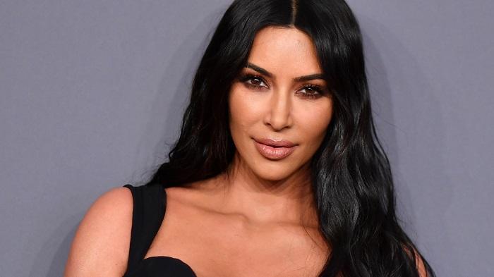 Questa immagine ha l'attributo alt vuoto; il nome del file è Kim-Kardashian.jpg