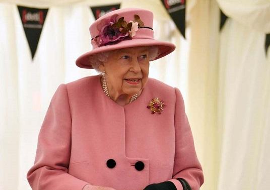Questa immagine ha l'attributo alt vuoto; il nome del file è Regina-Elisabetta.jpg